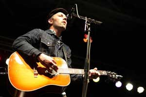 "Mat Kearney ""Bennie and Johnnie"" Song Inspired by CSB/SJU"